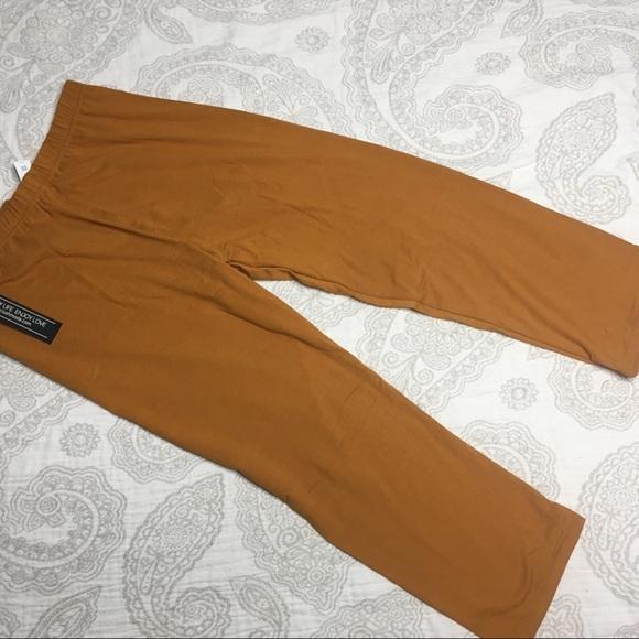 7f32a614ed4 New Rust gold color Capri leggings